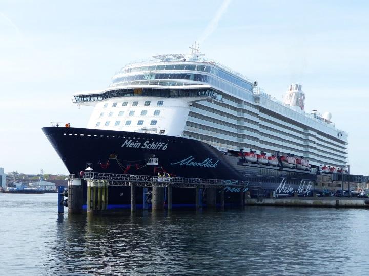 Mein Schiff 6 in Kiel - Foto Seehafen Kiel